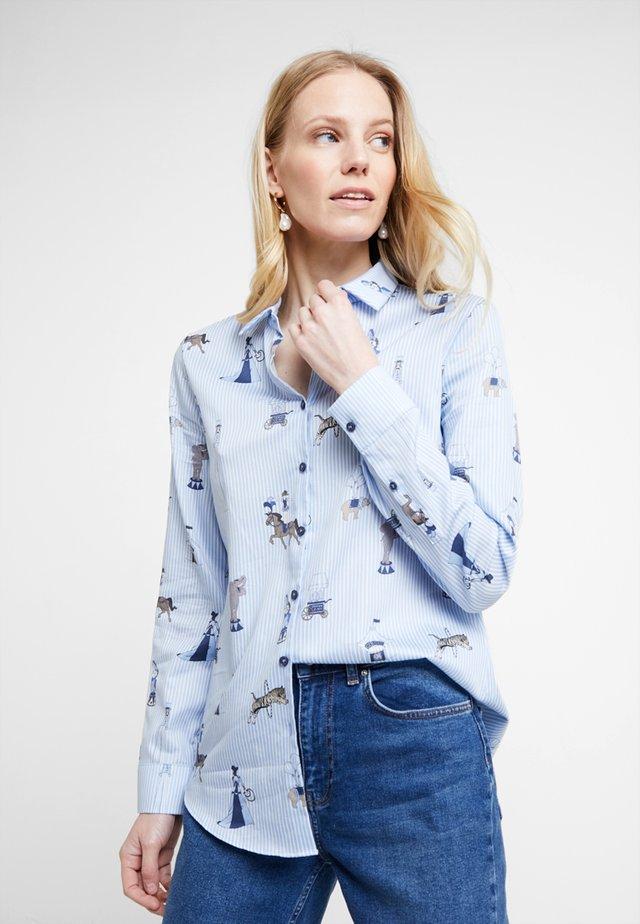 MODERN FIT - Button-down blouse - light blue