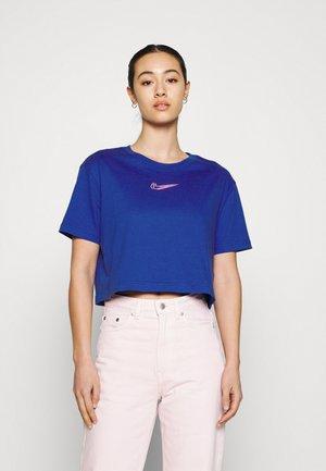 CROP TEE  - T-shirt - bas - game royal