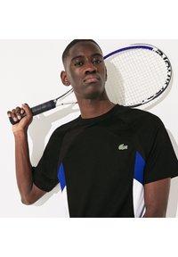 Lacoste Sport - TH4827 - Print T-shirt - noir / bleu / blanc / blanc - 3