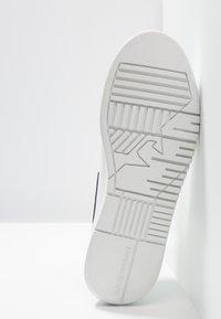 Emporio Armani - Sneakers laag - optical white/navy - 4