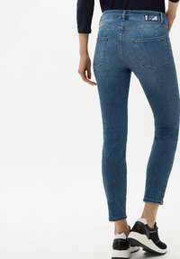 BRAX - STYLE ANA S - Jeans Skinny Fit - used regular blue - 2