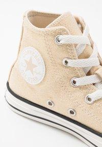 Converse - CHUCK TAYLOR ALL STAR - Baskets montantes - egret/black/vintage white - 5
