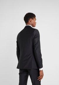 KARL LAGERFELD - SUIT VIBRANT - Dress - black - 3
