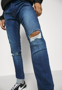 CLOSURE London - RIPPED SLIM FIT  - Slim fit jeans - blue - 4