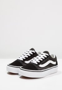 Vans - OLD SKOOL - Sneakersy niskie - black/true white - 4