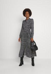 Vero Moda Tall - VMVICA SHIRT DRESS - Maxi dress - black - 1