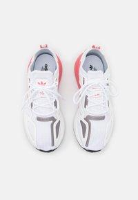 adidas Originals - ZX 2K BOOST  - Matalavartiset tennarit - footwear white/crystal white/hazy rose - 5
