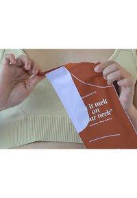 LOVBOD - MELTING MASK FOR NECK 2 PACK - Skincare set - - - 3