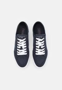 Tommy Hilfiger - CORE CORPORATE - Sneakers laag - desert sky - 3