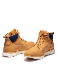 Timberland - KILLINGTON CHUKKA - Lace-up boots - wheat nubuck w cord - 3