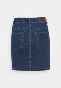Vero Moda Petite - VMHOT SEVEN SKIRT 2 PACK - Mini skirt - medium blue denim/bright white - 1