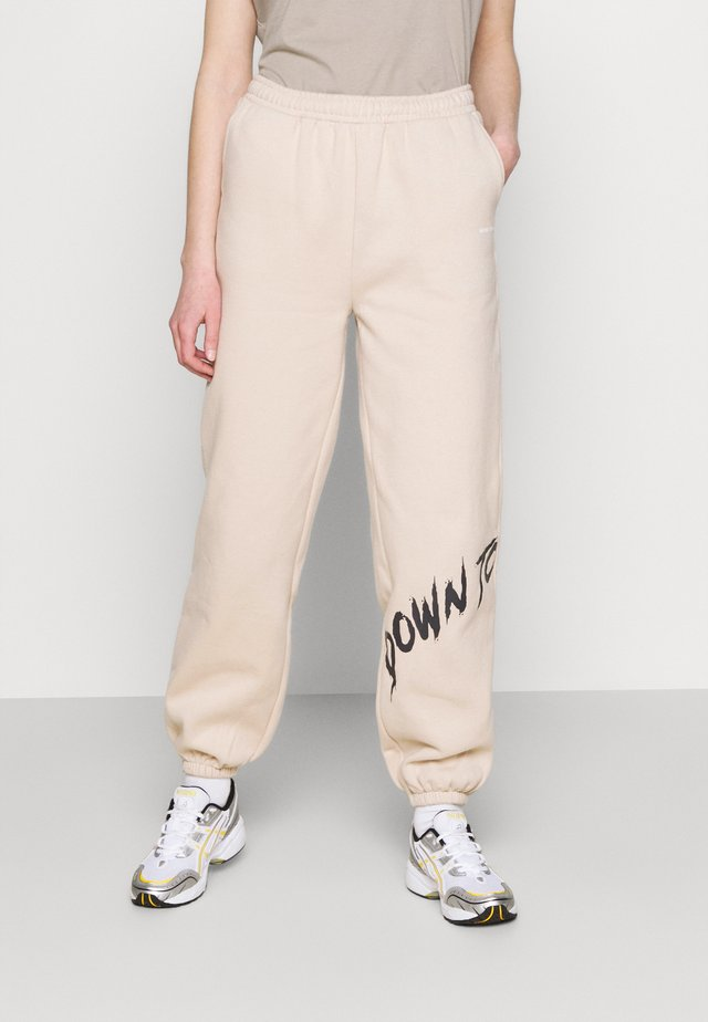 YOUTH COLLAGE PANTS - Joggebukse - nude