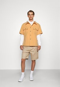 Martin Asbjørn - WILLY SHIRT - Shirt - apricot - 1