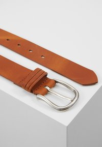 Tamaris - Belt - cognac