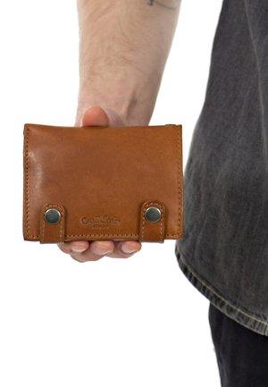 BEN - Wallet - hazelnut