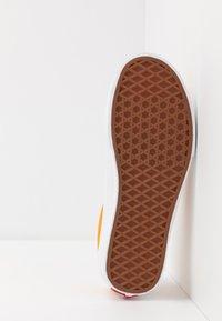 Vans - SPORT - Sneakers laag - cadmium yellow/true white - 4