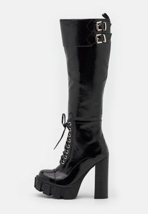 MYTHIC - Kozačky na vysokém podpatku - black