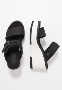 Timberland - KORALYN BAND WEDGE - Pantofle na podpatku - black - 3