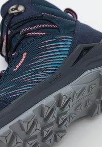Lowa - ZIRROX GTX MID JUNIOR UNISEX - Hiking shoes - navy/rosé - 5