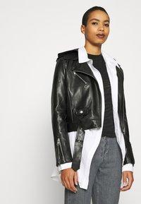 Calvin Klein Jeans - BURN OUT ZEBRA LOGO - Print T-shirt - black - 3