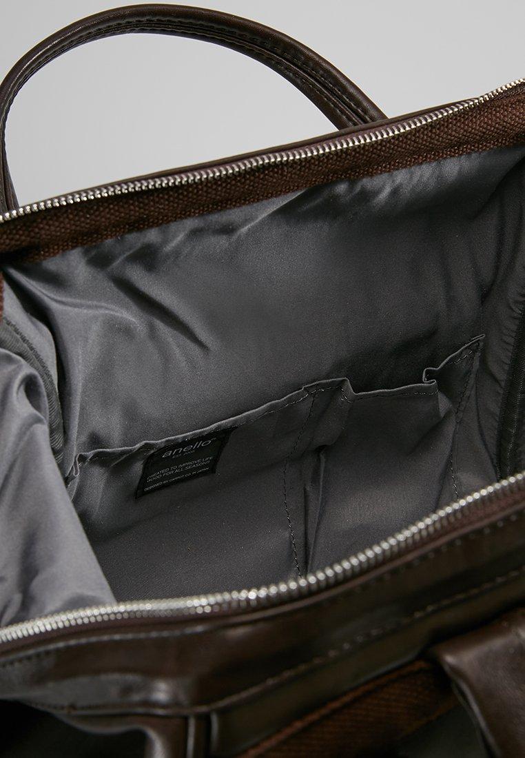 anello TOTE BACKPACK VEGAN LARGE - Tagesrucksack - dark brown/dunkelbraun - Herrentaschen j5PDc