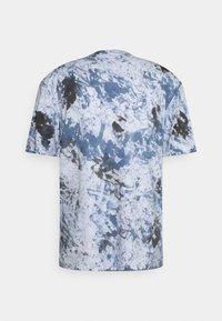 Jack & Jones - JORAZIEL TEE CREW NECK - Print T-shirt - navy blazer - 7