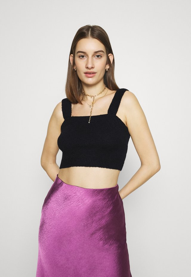 CROPPED - Topper - black