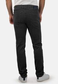 Brühl - MIT SPEZIAL-SCHMIRGEL - Slim fit jeans - anthrazit - 1