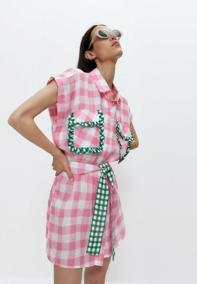 Uterqüe - MIT VICHYKAROS  - Shirt dress - pink
