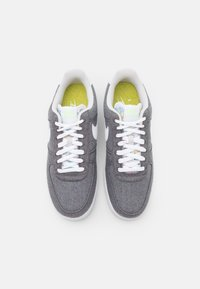 Nike Sportswear - AIR FORCE 1 '07 UNISEX - Sneakers basse - iron grey/white/barely volt/celestine blue - 3