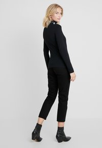 Calvin Klein Jeans - MONOGRAM TAPE ROLL NECK - Top s dlouhým rukávem - black - 2