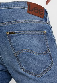Lee - DAREN ZIP FLY - Jeans a sigaretta - broken blue - 5