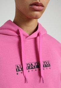 Napapijri - B-BOX HOODIE - Luvtröja - pink super - 4