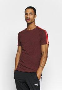 Jack & Jones - JCOCURVE TRAIN TEE CREW NECK - Print T-shirt - port royale - 0