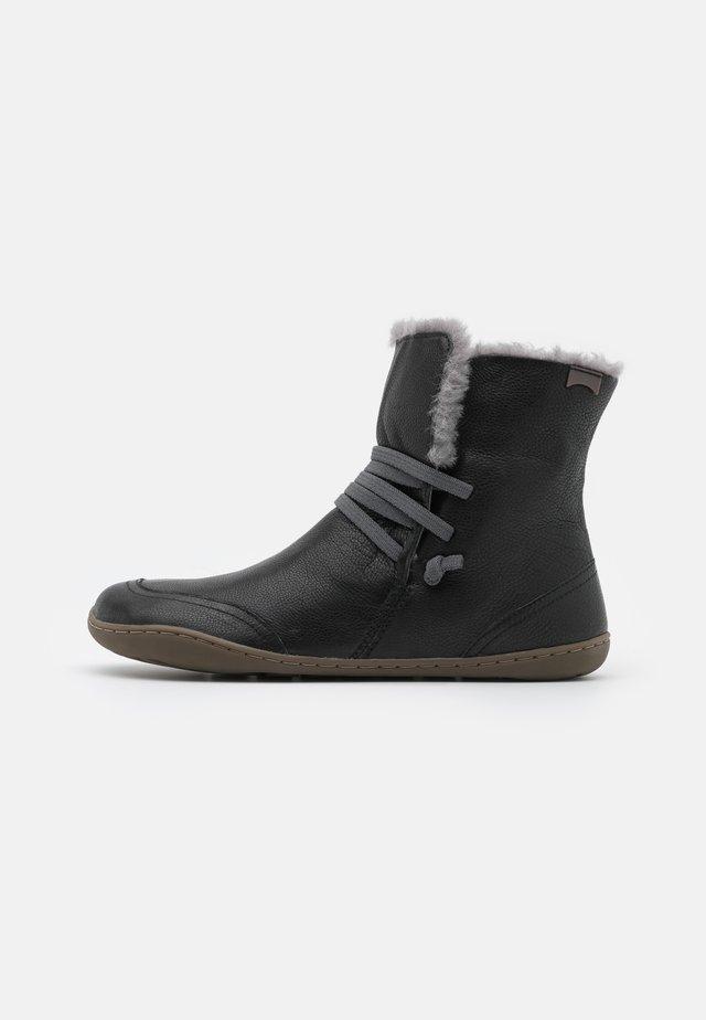 PEU CAMI - Šněrovací kotníkové boty - black