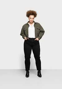 Pieces Curve - PCLUNA STRAIGHT - Straight leg jeans - black - 1