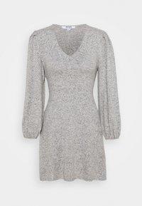 Dorothy Perkins Petite - TIE WASIT BRUSHED DRESS - Sukienka dzianinowa - grey - 0