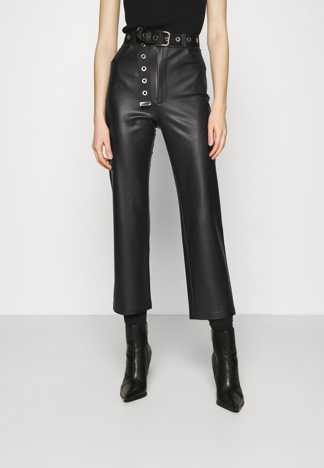 STRAIGHT PANTS - Pantaloni - black
