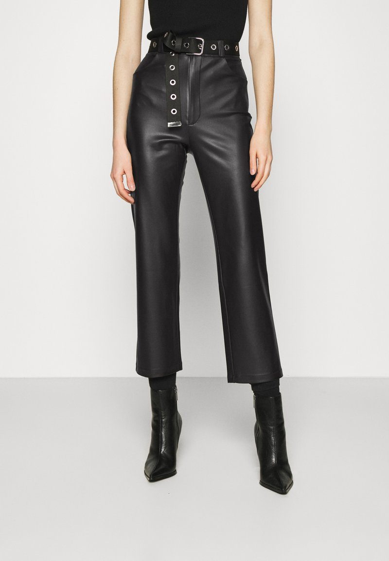 KENDALL + KYLIE - STRAIGHT PANTS - Trousers - black