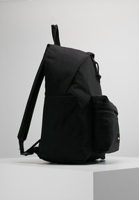 Eastpak - PADDED ZIPPLER - Rucksack - black - 3