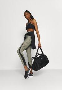 Nike Performance - ONE CLUB BAG - Sportovní taška - black/black/white - 0