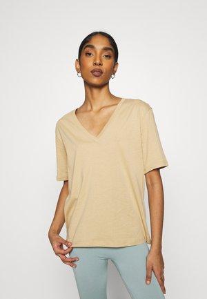 LAST VNECK - Jednoduché triko - beige