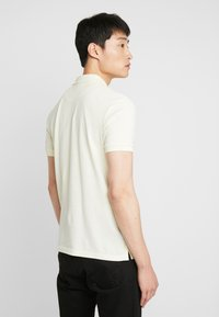 Lyle & Scott - Piké - buttercream - 2
