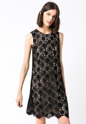 SPITZENKLEID MIT KONTRASTFUTTER - Day dress - schwarz