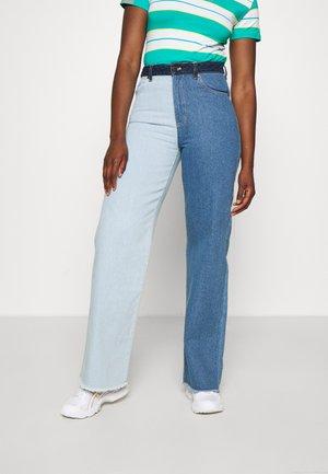 BLOCK WIDE LEG PANTS - Jeans straight leg - blue