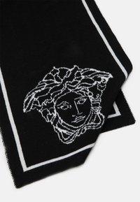 Versace - SCIARPA MAGLIA JUNIOR UNISEX - Scarf - nero /bianco - 3