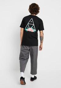 HUF - CITY ROSE TEE - Print T-shirt - black - 0