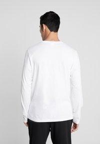 Calvin Klein Underwear - CREW NECK - Camiseta de pijama - white - 2
