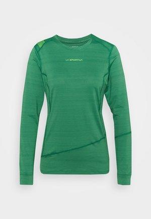 DASH LONG SLEEVE - Sports shirt - grass green