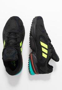 adidas Originals - YUNG-1 TRAIL - Sneakers - core black/solar yellow/aqua - 1
